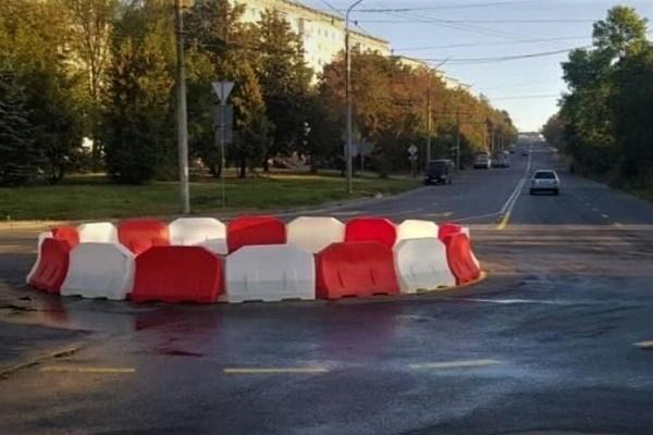 У Тернополі на одній із вулиць встановили дорожнє кільце