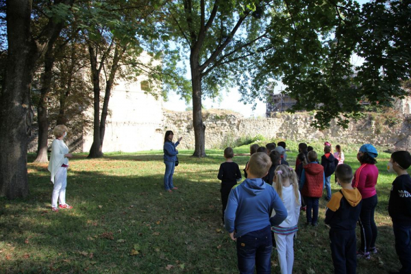До Всесвітнього Дня туризму бережанським школярам розповіли легенди про місцевий замок