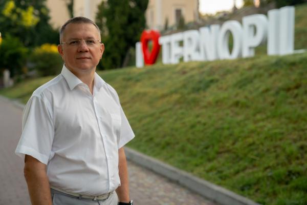 У Тернополі мають з'являтися нові садочки та школи, а не ресторани і готелі у парках, – Сергій Лупійчук