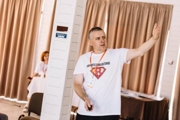 Педагог з Тернопільщини предентує на звання найкращого вчителя у світі і мільйон доларів