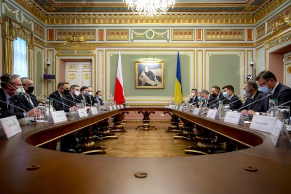 Володимир Зеленський: Україна та Польща можуть відновити позитивну динаміку двосторонньої торгівлі