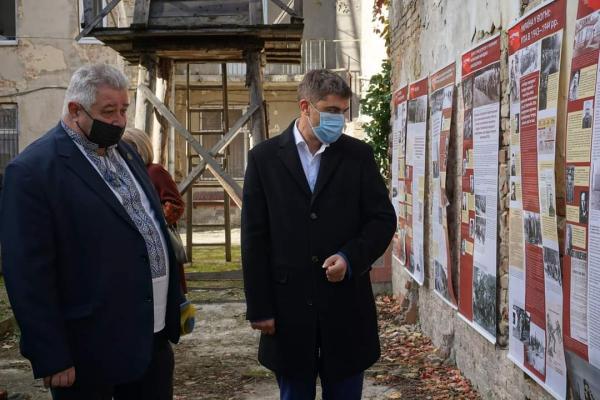 «Проти Голіафа»: у Тернополі презентували унікальну виставку