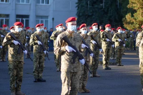 День захисника України: більше ніж сто курсантів Тернопільщини склали урочисту присягу