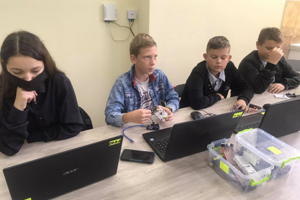 Сучасну студію робототехніки відкрили у Підволочиську за сприяння «Контінентал Фармерз Груп»
