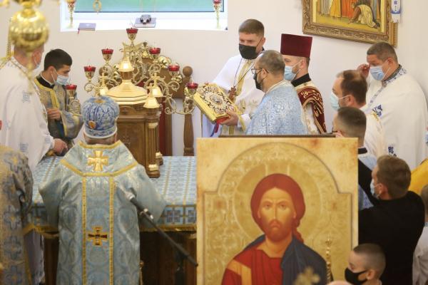Покладення Ризи Пресвятої Богородиці УГКЦ: у Тернополі освятили новий храм