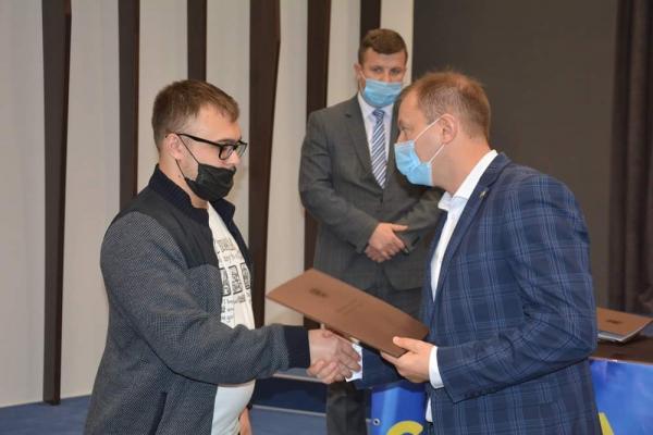 Родинам учасників АТО з Тернопільщини вручили сертифікат на житло
