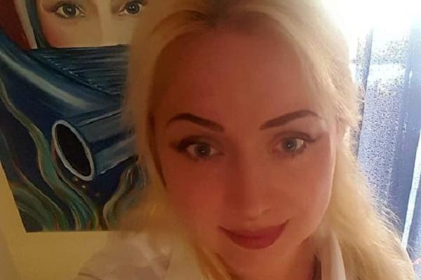 Тернопільська художниця два роки тому намалювала пророчу картину – жінку в масці