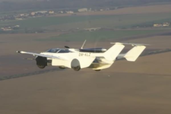 В Словаччині випробували автомобіль-літак (Відео)