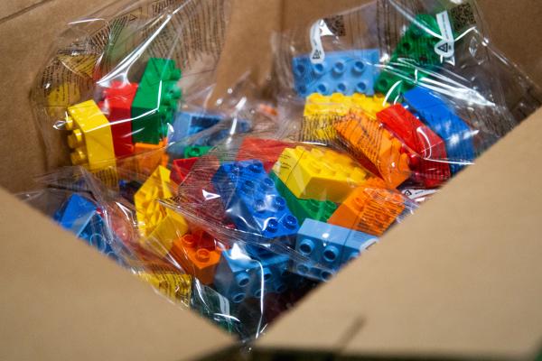Навчальні заклади Тернопільщини отримали партію наборів LEGO