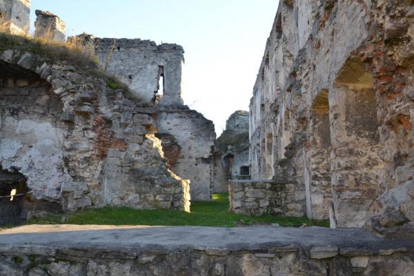 У Чорткові відреставрують старовинний замок замок