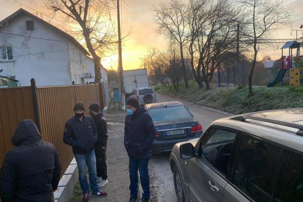 Що шукали правоохоронців у квартирі депутата Тернопільської облради?