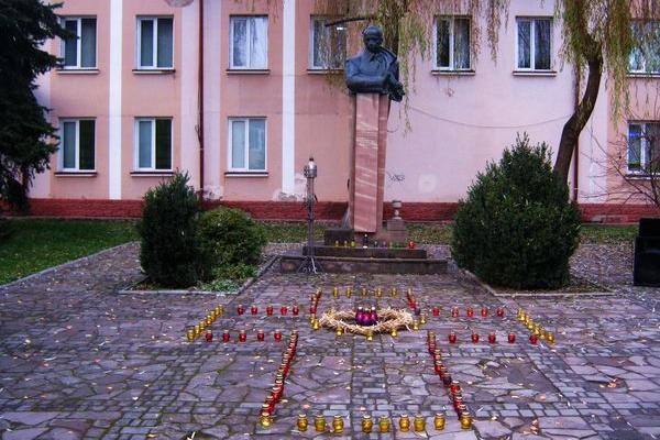 Як в Теребовлі, що на Тернопіллі, провели День пам'яті жертв голодомору