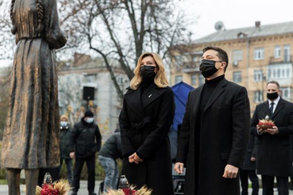 Зеленський обіцяє, що на музей Голодомору знайдуть гроші