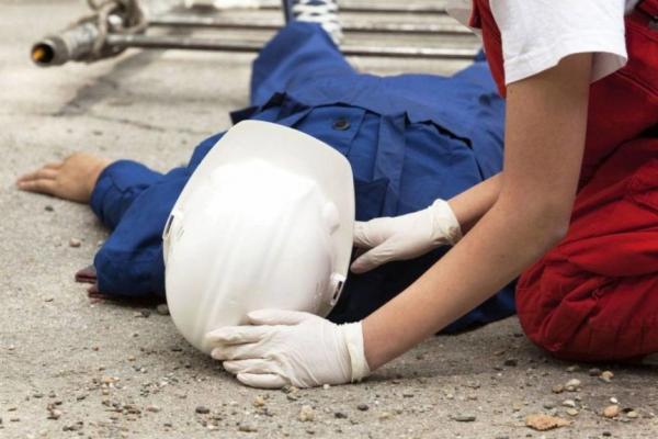 Чергова смерть на будівництві: на Тернопільщині із семиметрової висоти впав чоловік