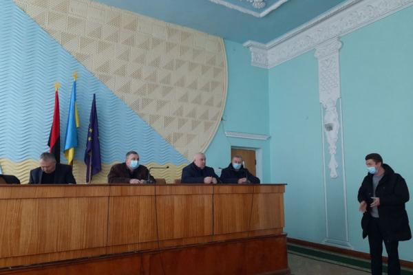 Передали комунальне майно громадам: як пройшла сесія Лановецької районної ради