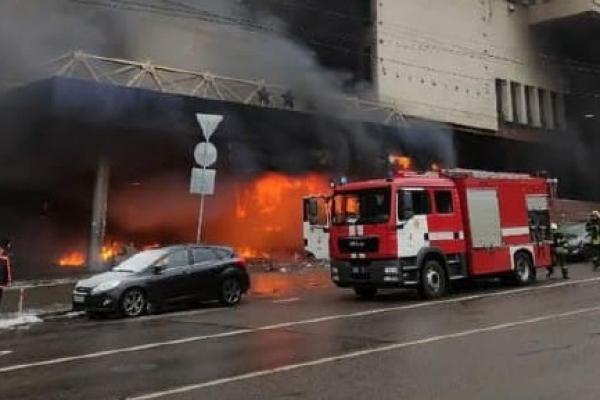 Пожежа у столичному готелі «Експрес»: зайнялося кафе