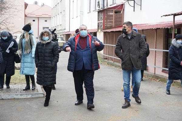 На Тернопільщині перевіряють медзаклади