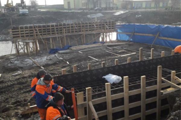 На мосту в Лисівцях влаштували 10 буронабивних паль