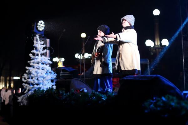 Напередодні Дня Святого Миколая: у Тернополі засвітили святкові вогні головної ялинки