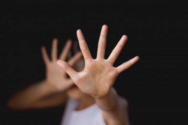 За інтим із 14-річним підлітком жительку Бережан засудили на три роки