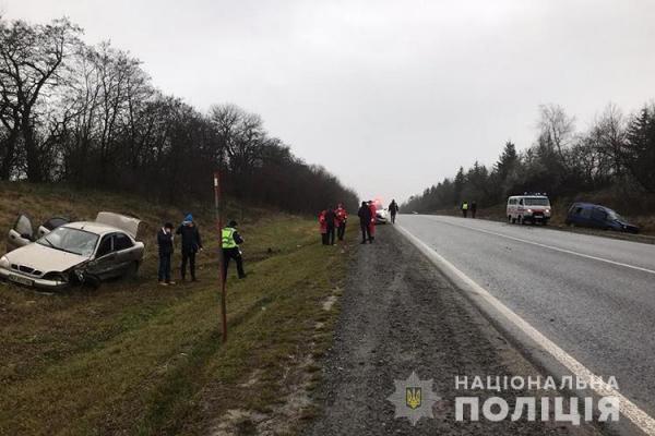 ДТП на Тернопільщині: одномісячна дитина вилетіла із салону автомобіля