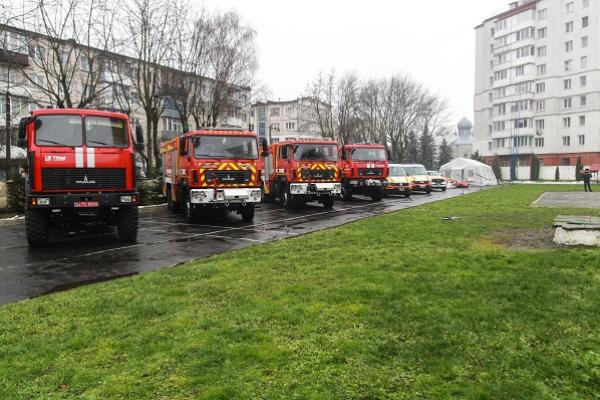 Рятувальникам Тернопільщини передали нові машини