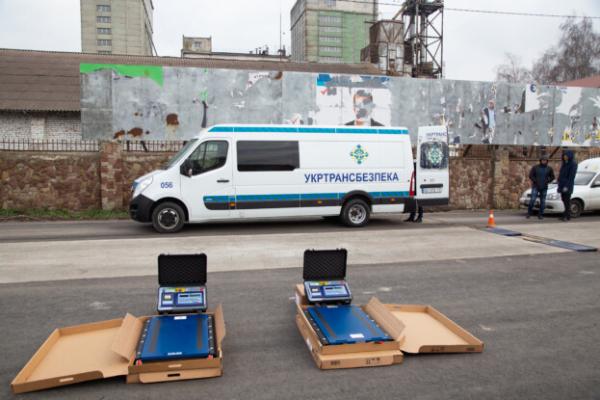 На дорогах Тернопільщини встановили нові вагові комплекси