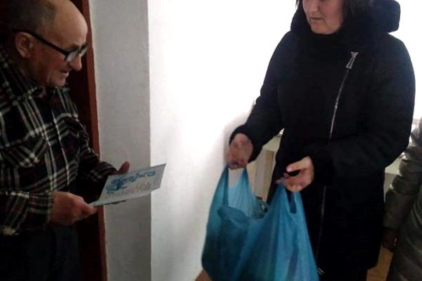 Одинокі жителі Тернопільської громади отримали продуктові набори