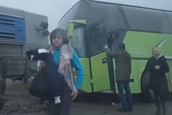 На Тернопільщині злетів з дороги пасажирський автобус