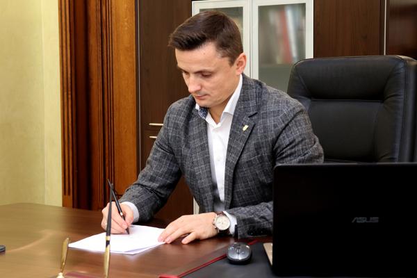 Михайло Головко підписав звернення до президента щодо повернення звання Героя України Бандері та Шухевичу