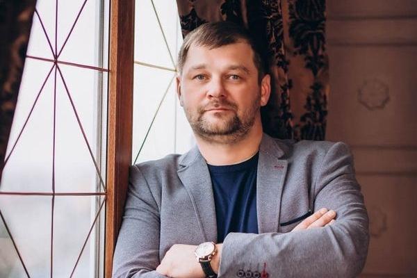 Тарас Савчук: «Професійна журналістика нині зайшла в межі блогерства і розчинилася в ньому»