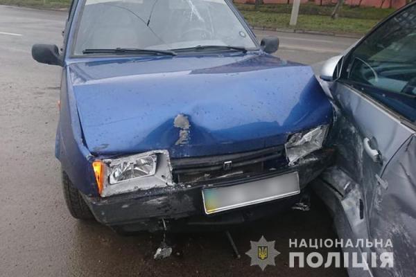 На Тернопільщині ДТП: зіткнулися три автомобілі