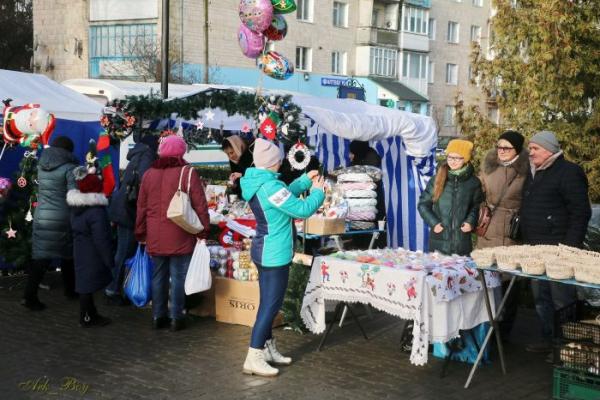 Священики просять жителів Шумська «базарний день» зробити не у неділю, з поваги до християнських чеснот