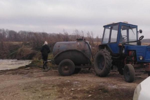Біля Тернополя кістки і відходи розкидали на колишніх колгоспних землях