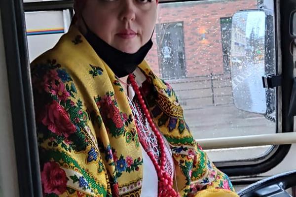 Водійка тролейбуса оригінально привітала тернополян з Різдвом Христовим