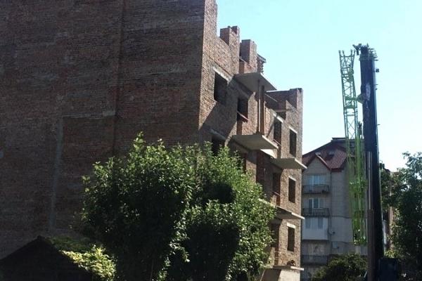 У Тернополі перевірили законність будівництва багатоповерхівки на «Дружбі»