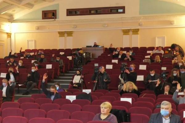 «Дозволити перевозити більше пасажирів у громадському транспорті»: депутати Тернопільської міської ради звернулися до Кабінету Міністрів