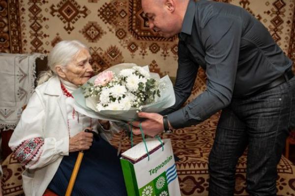 У Тернополі своє 90-річчя відзначила членкиня ОУН Ольга Небесна