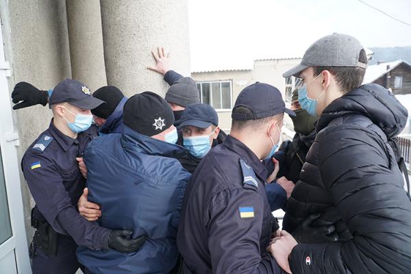 Правоохоронці Тернопільщини визволяли заручників