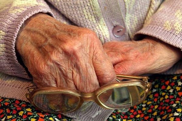Тернопіль: пенсіонерка стала жертвою аферистки