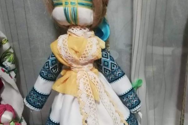До 150-річчя від Дня народження Лесі Українки: тернополянка змайструвала унікальну колекцію ляльок-мотанок