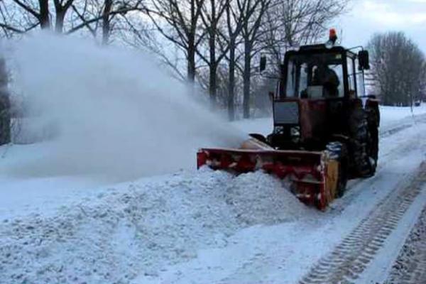 На Тернопільщині продовжують очищати дороги від снігу