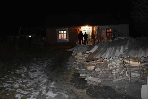 На Тернопільщині затримали чоловіка, який до смерті побив батька