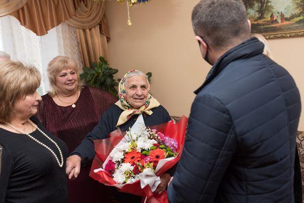 Секрет сто річної жінки з Тернопільщини - треба цінувати те, що тобі дає Бог