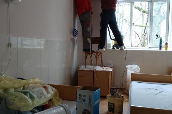 У Бережанській лікарні встановили новий рекуператор, щоб у палатах було свіже повітря