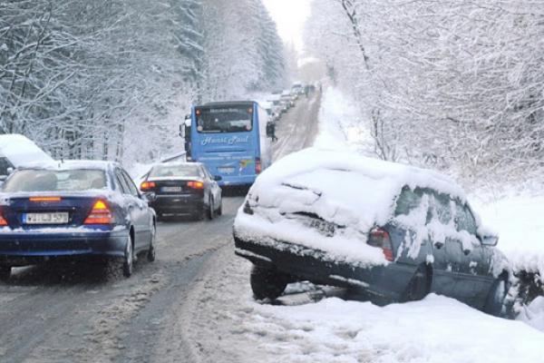 В Україні бмежили рух вантажних транспортних засобів дорогами державного значення