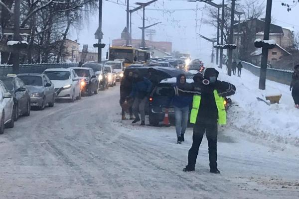 У центрі Тернополя аварія: утворились довжелезні затори