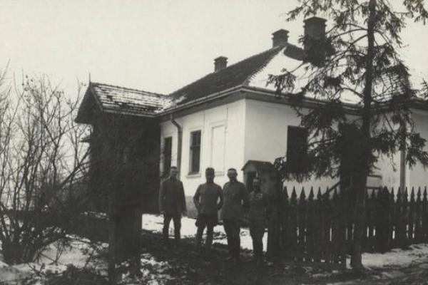 Селище Козова на фото часів Першої світової війни