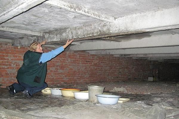 Відремонтувати дах будинку на вул. Руська,18 просять тернополяни