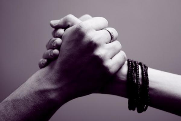 Життєві вироки розбиваються об силу жіночої підтримки